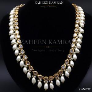 Elegant Pearl Necklace!