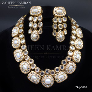 Excellence Pearls Kundan Set!