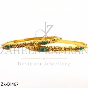 Emerald thin bangles