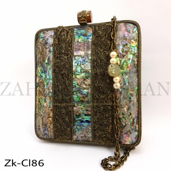 Marbled panel clutch