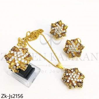 Gold Zirconia Pendant Set