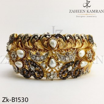 Gold Zirconia bangle