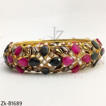 Agate rubies bangle