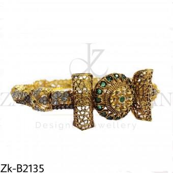Traditional bangle