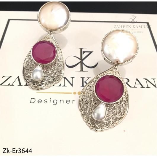 Fret Pearls Earrings