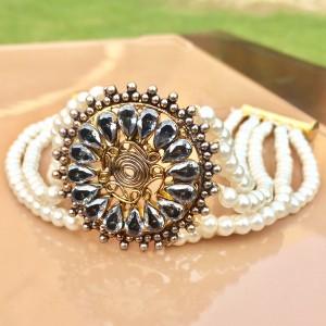 Black Zircons Bracelet!