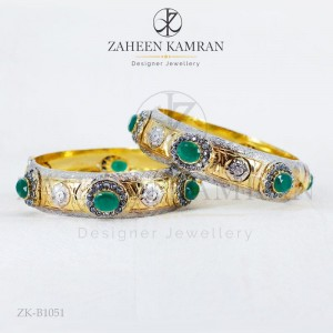 Statement Emerald Bangle