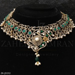 Emerald Pearl Necklace Set
