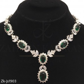 Stunning Emerald Crystal Necklace Set
