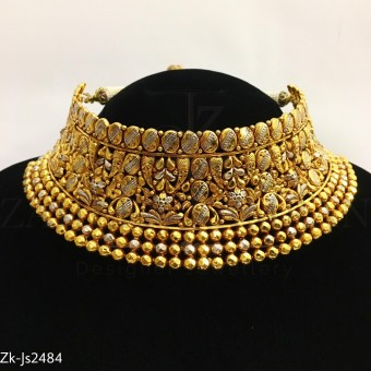 Gold antique set