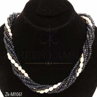 Black Stone Pearls Twisted Pendant