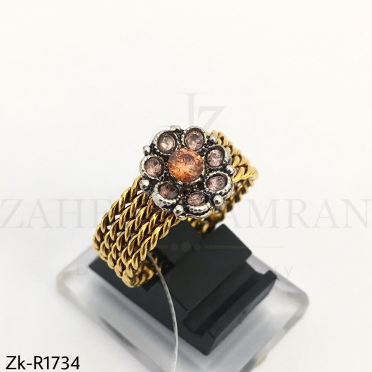 Band twisted ring