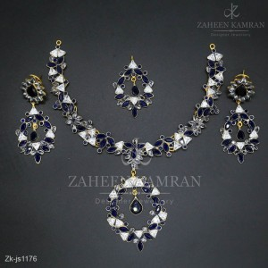 Sleek Traditional Sapphires