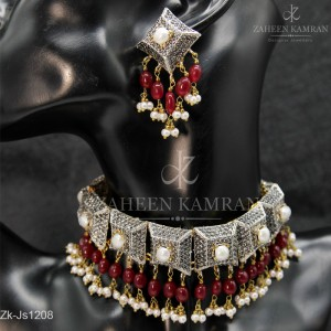Comely Ruby Choker