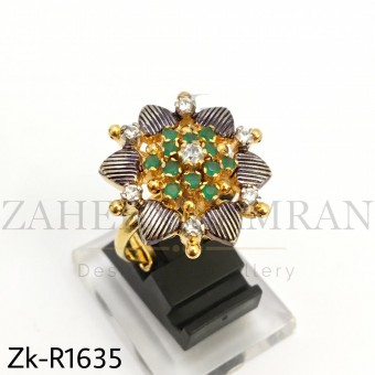 Floral Emerald ring