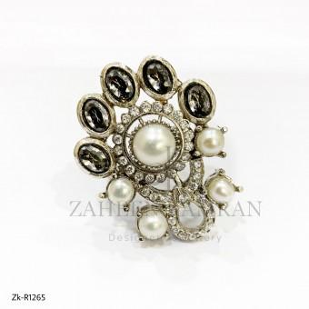 Antique zircon Pearl Ring