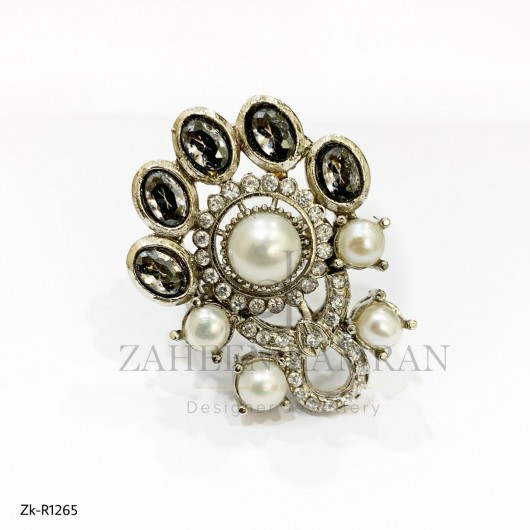 Antique zircon Pearl Ring